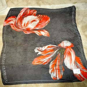 NWT Alexander McQueen Floral Red Black Silk Scarf